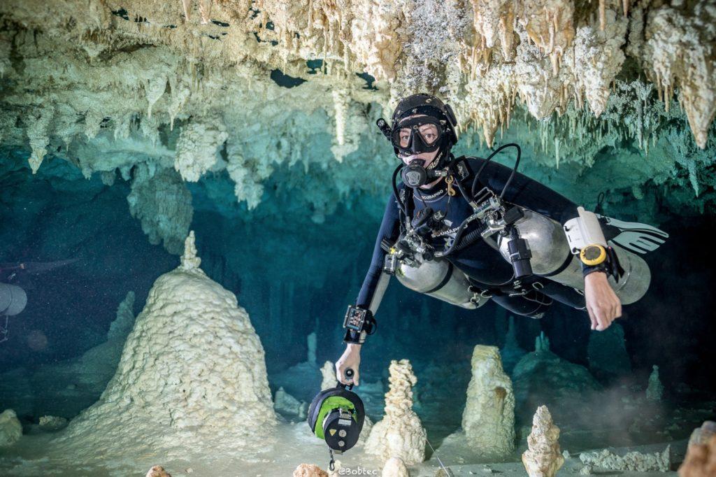 Cave Diving разновидность пещерного дайвинга