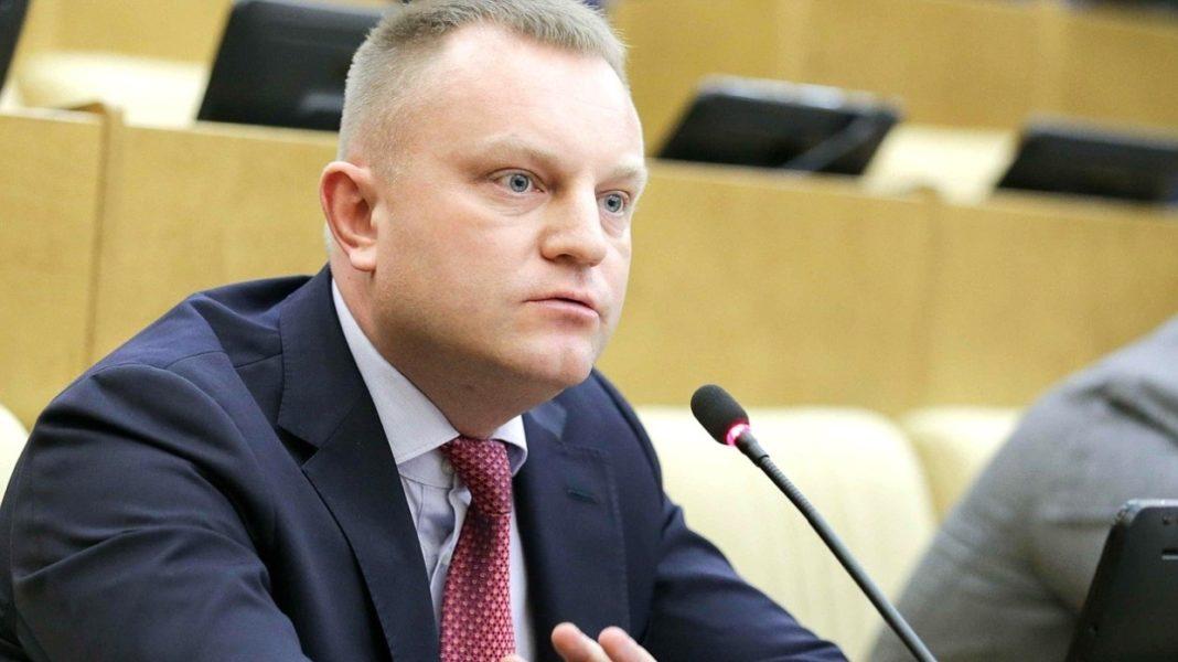 Иван Сухарев - депутат предложивший снова закрыть границы