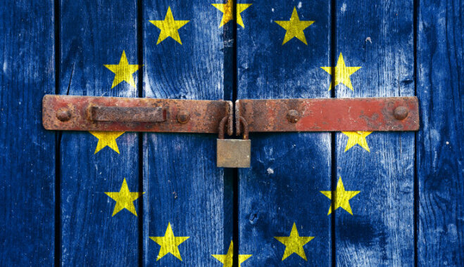 в Европу не раньше осени 2021