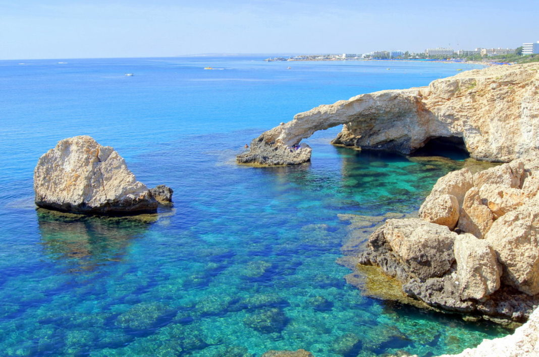 Кипр откроется 1 марта для россиян