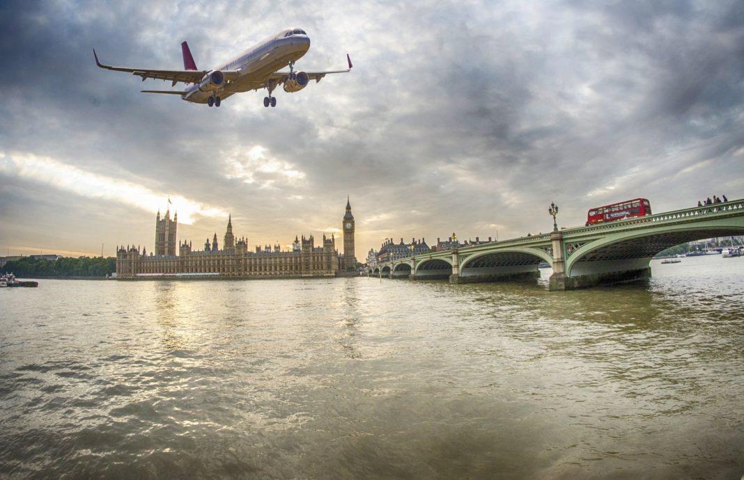 Самолеты в Великобританию не полетят до 12 января включительно