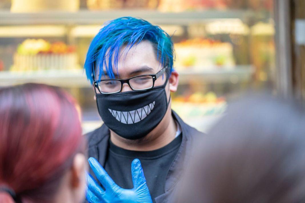 Ношение масок в РФ никто не отменял