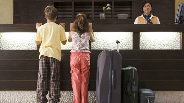 Доверенность на зеселение ребенка в гостиницу в нотариальной форме