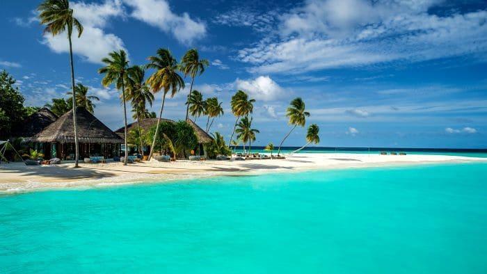 Въезд на Мальдивы привитым Спутник V