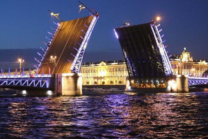 Открытие навигации в Петербурге