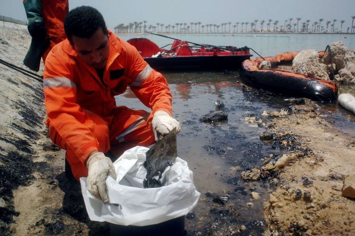 пляжи Хургады пострадали от разлива нефти